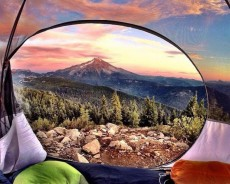 This Guy Shooting Stunning Images Every Morning From His Tent